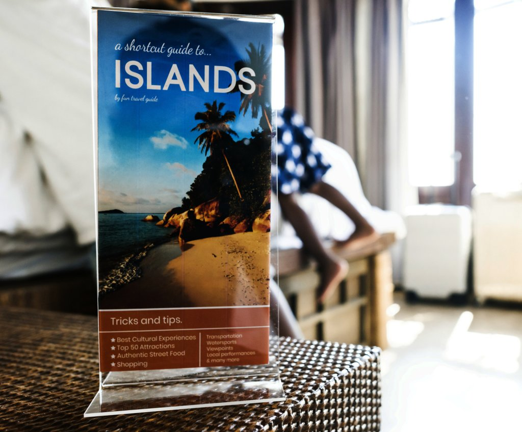 5 Undeniable Reasons to Love Hotel Signs & Displays